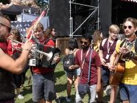 004 XXVII Viljandi pärimusmuusika festivali avakontserdil Kaevumäel. Foto: Urmas Saard