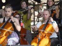 008 XXVII Viljandi pärimusmuusika festivali avakontserdil Kaevumäel. Foto: Urmas Saard