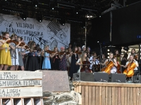009 XXVII Viljandi pärimusmuusika festivali avakontserdil Kaevumäel. Foto: Urmas Saard