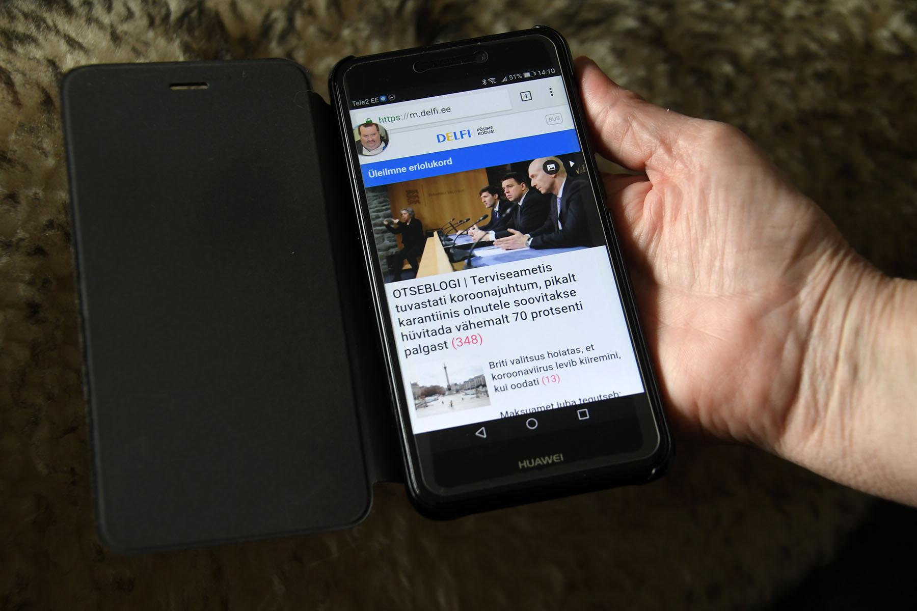 Alustuseks võiks piirata telefonis või internetis surfamist ning seada endale kindlad kellaajad, näiteks päevas kaks aega. Foto Urmas Saard