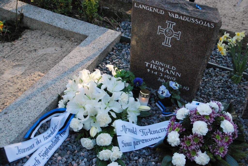 Arnold Tikmann puhkab Tallinna Rahumäe kalmistul Foto Urmas Saard
