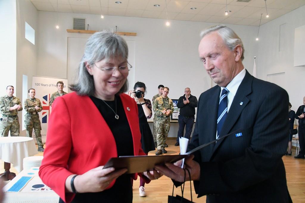 Briti suursaadik Theresa Bubbear ja Jaan Roosnurm Foto Urmas Saard