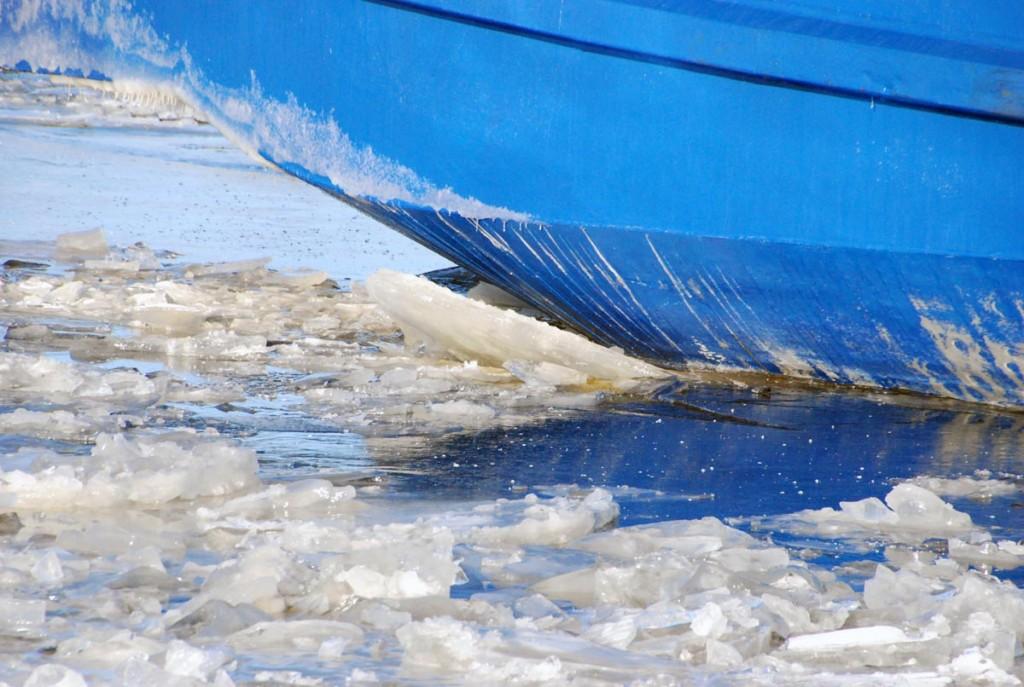 EVA-316 rõhub jääle Foto Urmas Saard