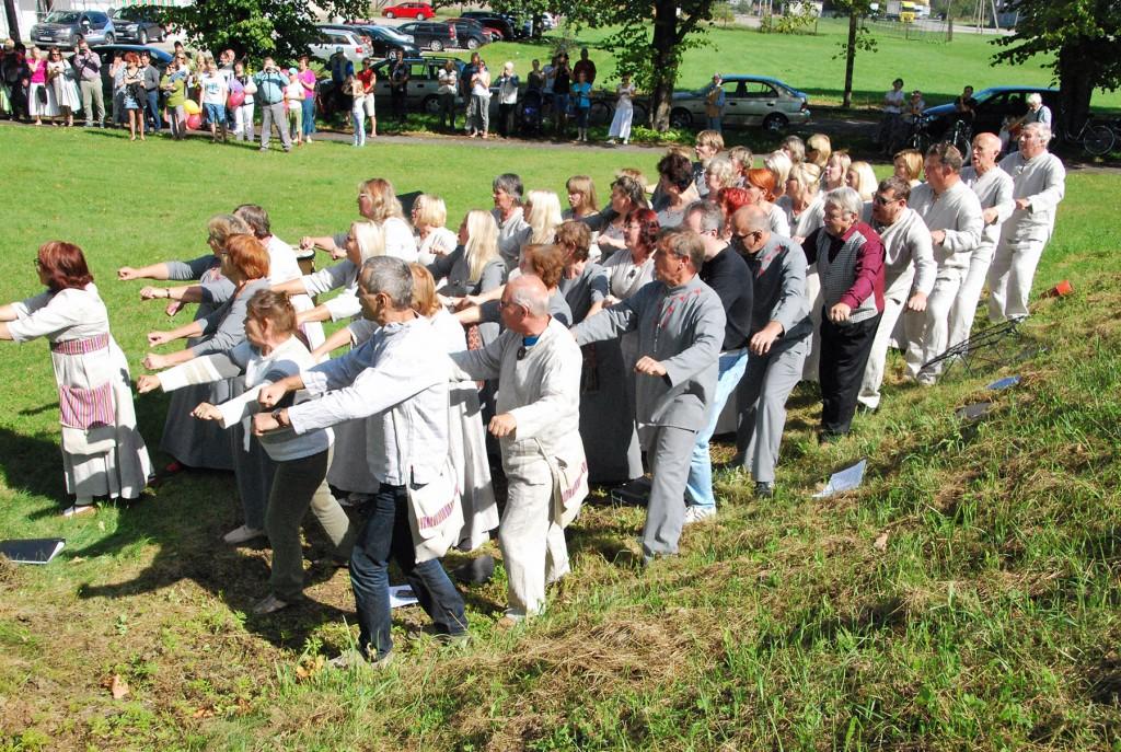 Eesti esimese laulupeoaegne Sindi laulukoor osaleb ka XXVII laulupeol. Foto Urmas Saard