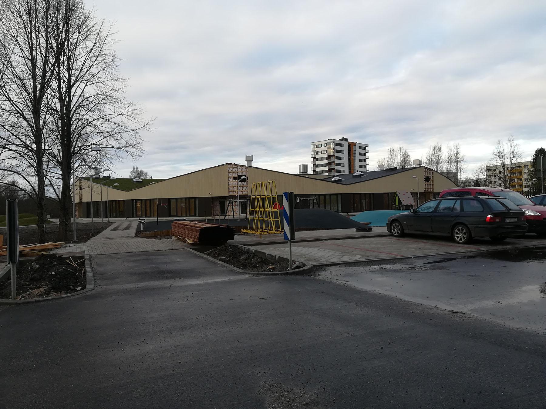 Ehitusjärgus Raja tänava lasteaed-ujula. Foto: Urmas Saard