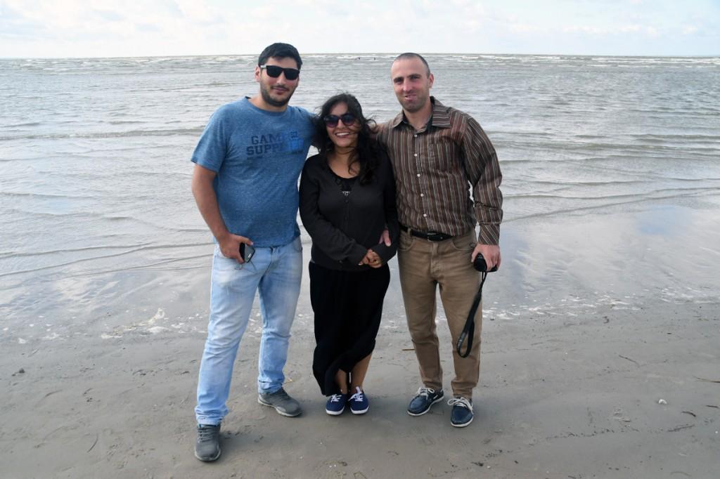 Grusiinid Nika Aslamazashvili, Ekaterine Mosiashvili ja Davit Maisuradze Pärnu rannas Foto Urmas Saard