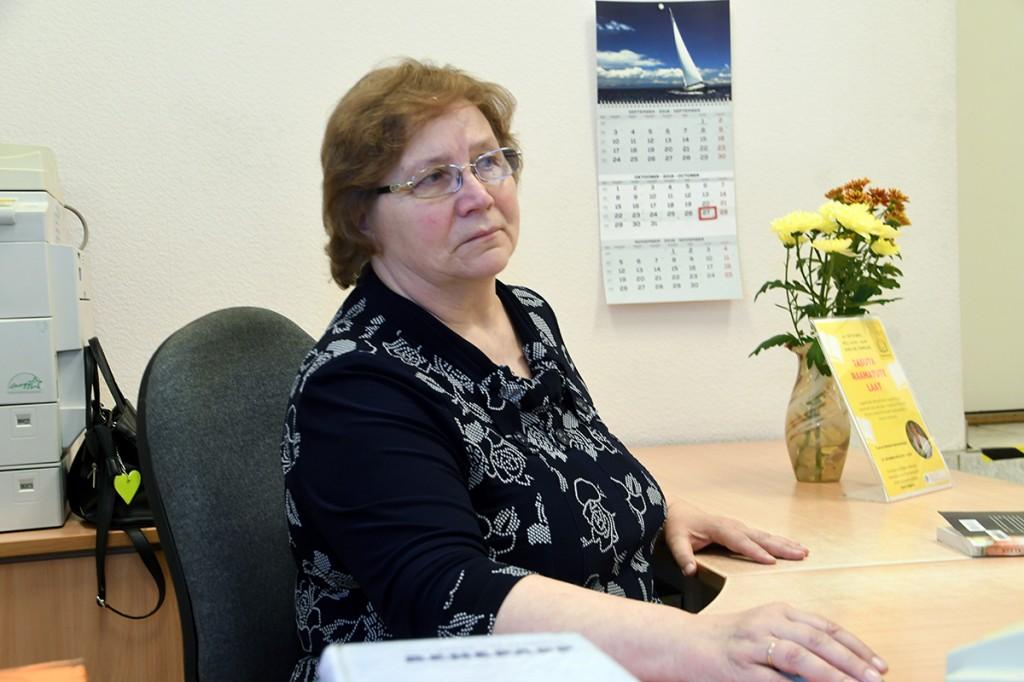 Heidi Vellend, tuntud inimene Sindi linnaraamatukogus Foto Urmas Saard