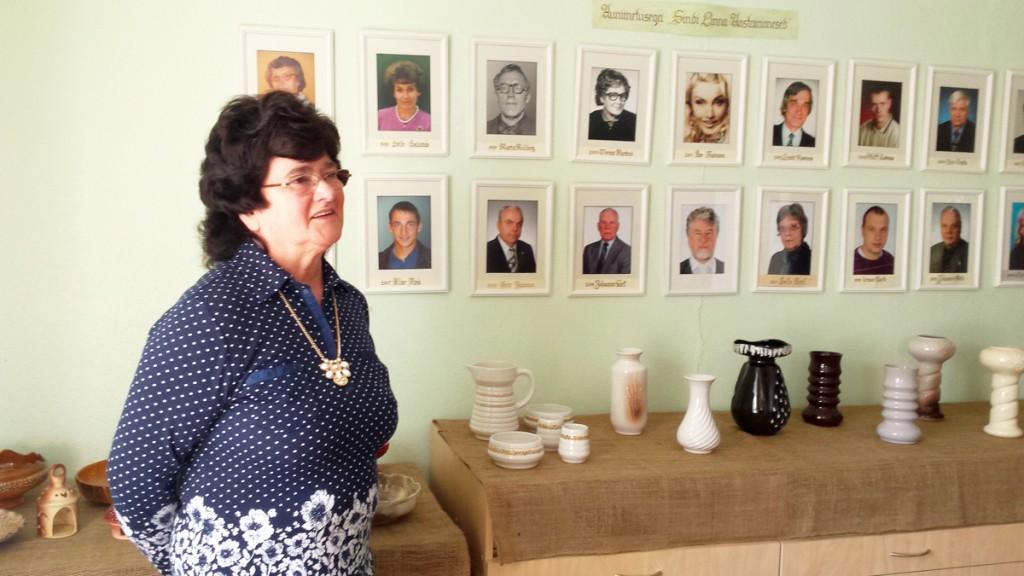 Helle Hansen oma keraamikanäituse avamisel Sindi muuseumis Foto Marko Šorin