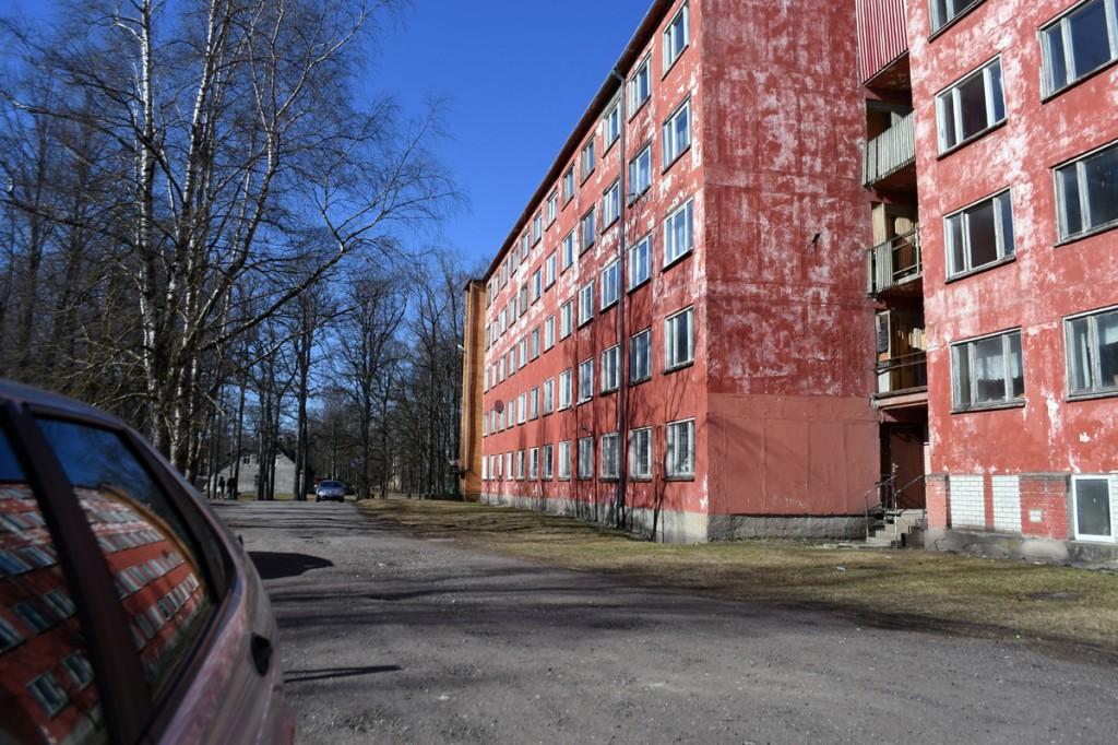 Hoone Sindis, aadressil Pärnu mnt 27a Foto Urmas Saard