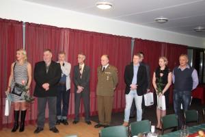 Otepääl tunnustatud politseiametnikud ja abipolitseinikud. Foto: Monika Otrokova
