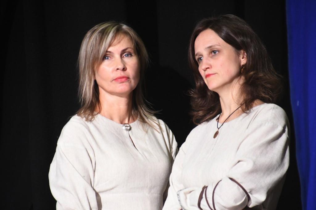 Ilze Žwarte ja Ieva Lapšane, Võnnu muusikakooli kontsert Sindis Foto Urmas Saard