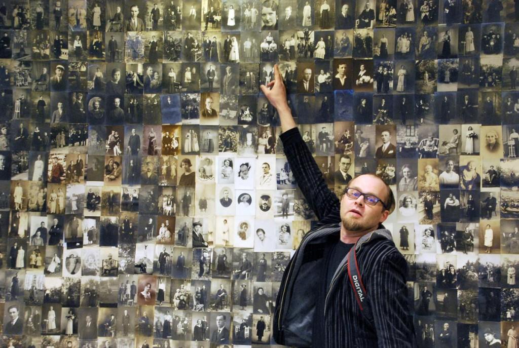 Indrek Aija jätkab eelmisel aastal alustatud tajunihete seeriat, kus fotokollaaži aluseks on võetud pea sajandivanused originaalfotod Foto Urmas Saard