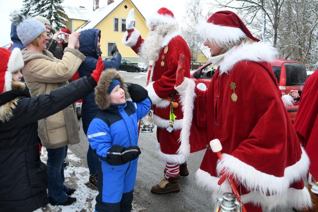 Jõuluvanade konverents on jõudnud Kadrinasse Foto Urmas Saard