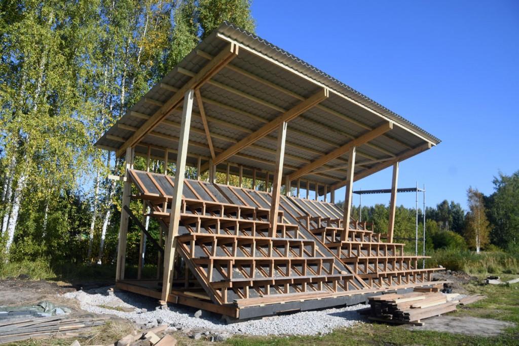 JK Poseidoni Sindi jalgpallistaadioni tribüüni ehitus Foto Urmas Saard