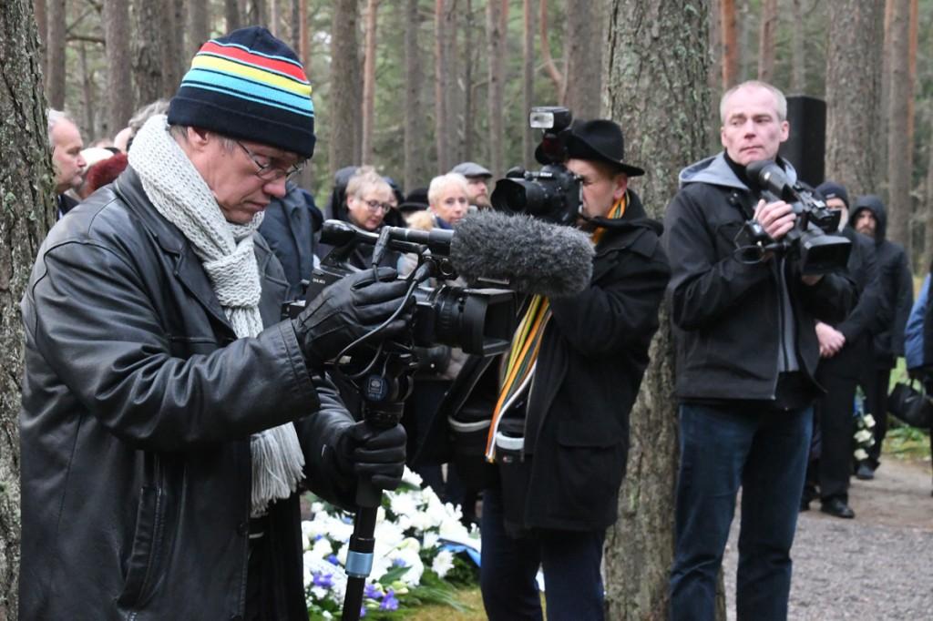 Jaan Kolberg kenotaafi avamist jäädvustamas Foto Urmas Saard