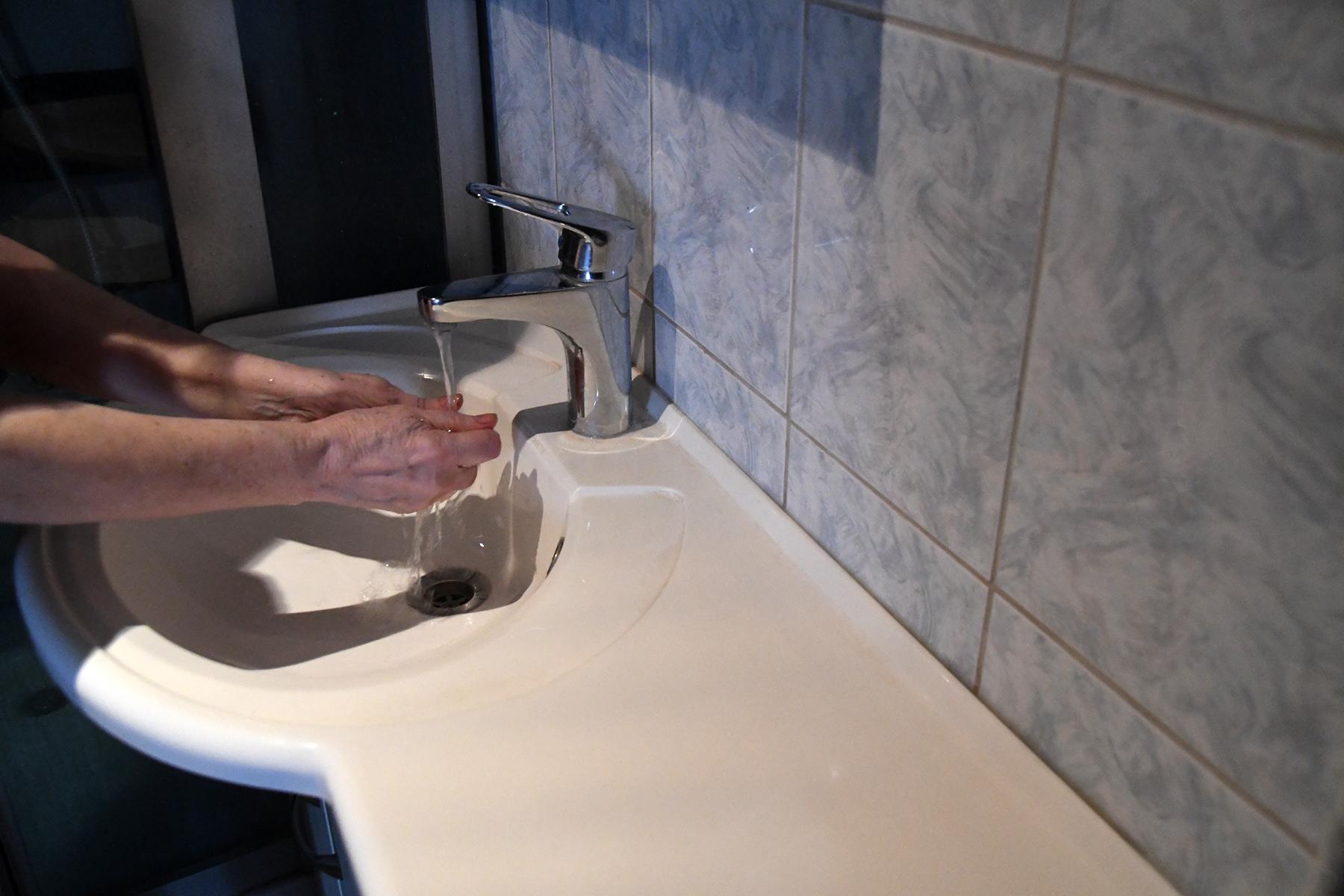 Kätepesu. Foto: Urmas Saard  / Külauudised