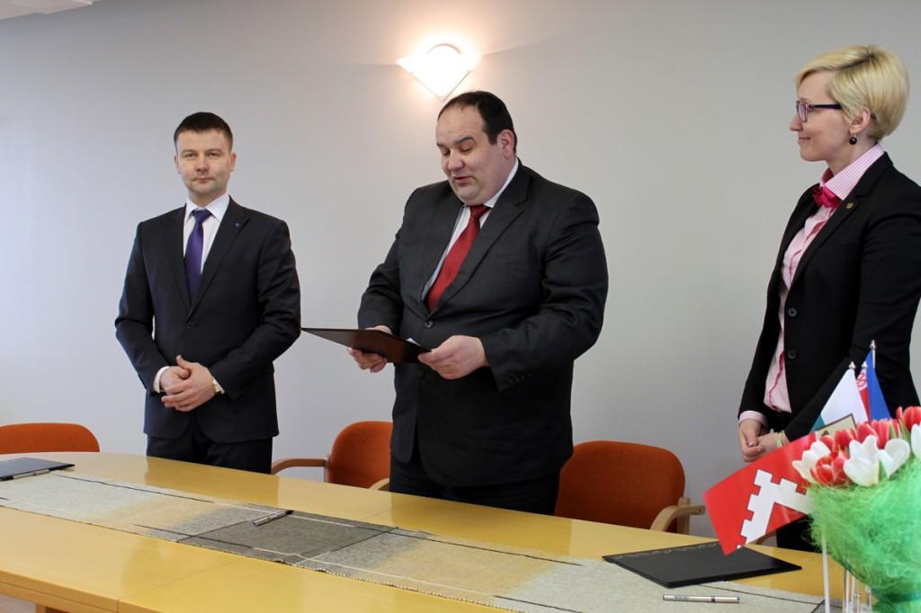 Kaido Kõiv,  Vladimir Kravtšenko, Ulla Preeden Foto pressisõnumiga