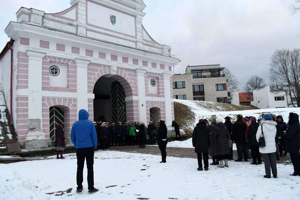 Kevade tervitamine Pärnus Tallinna väravate juures Foto Urmas Saard