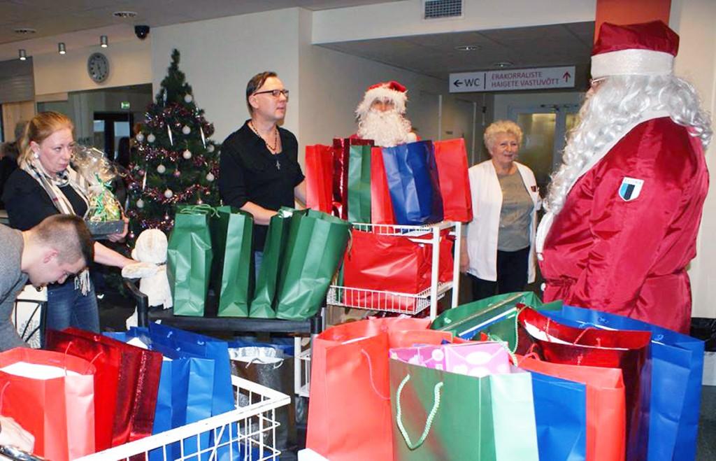 Kingitused jõulude ajal haiglates viibivatele lastele