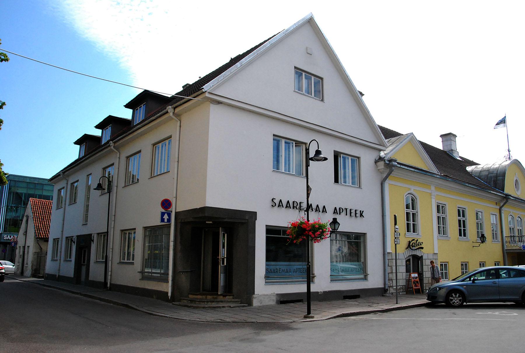 Kuressaare linn 2015. aasta suvel, kui ei teatud tänasest eriolukorrast halba undki näha. Foto: Urmas Saard