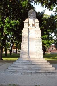 Läänlaste vabadussõja mälestussammas Haapsalu Lossiplatsil Foto Urmas Saard