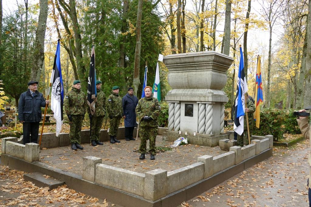 Mälestusteenistus Julius Kuperjanovi hauamonumendi juures. Foto Edgar Saar