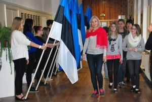 Möödumine Sindi gümnaasiumi lipuvalvest Foto Urmas Saard