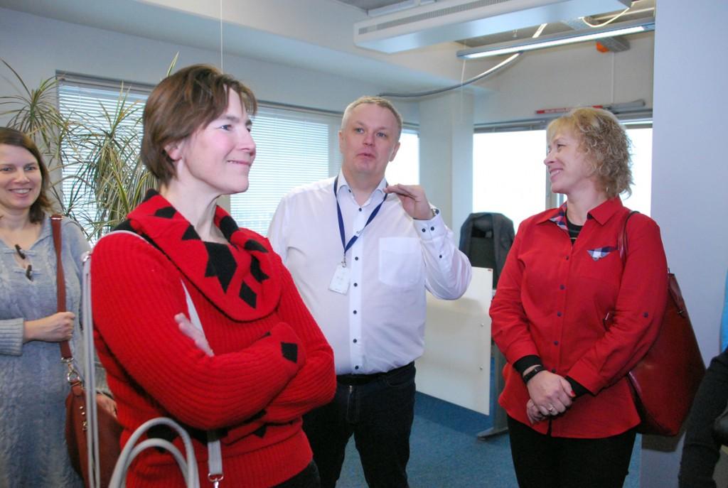 Marek Helm vestleb Pärnumaa õpetajatega Foto Urmas Saard