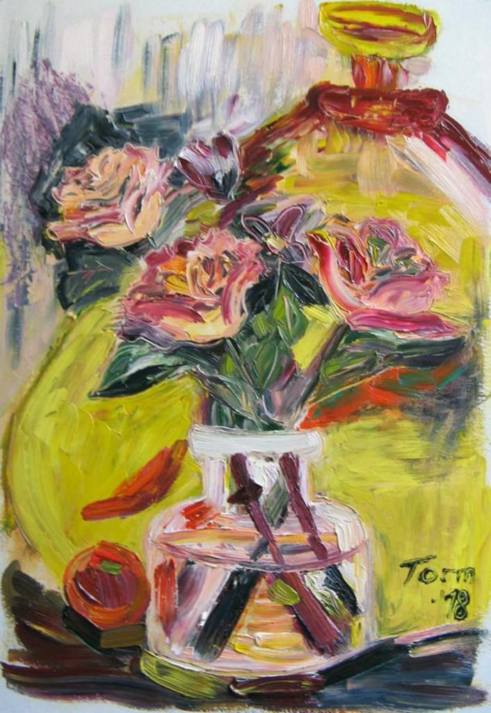 Maria Tormi kollane vaas roosidega Foto Jukko Nooni