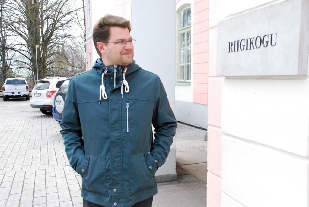 Marko Šorin, Sindi linnapea, riigikogu uksel Foto Urmas Saard
