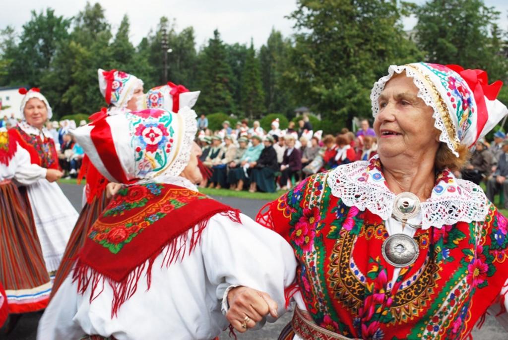 Memme-taadi suvepidu Tootsis aastal 2009 Foto Urmas Saard