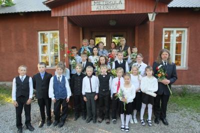 Metsküla algkooli koolipere. Foto opleht.ee