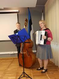 Rahvamuusikud Eha Niglas ja Artur Aunap ansamblist Tuustar Foto: Jõgevamaa Kodukandiühendus