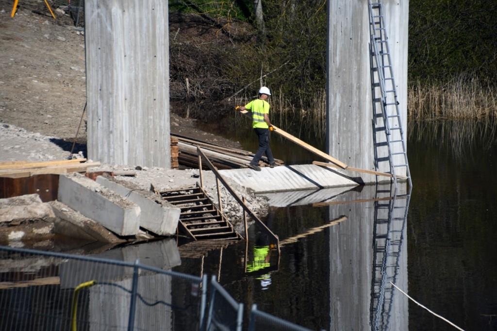 Nurmeveski silla ehitus Sauga jõel Foto Urmas Saard