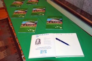 Olga Kalda sajandale sünniaastapäevale pühendatud raamat Aja jälg Sindi Muuseumis Foto Urmas Saard