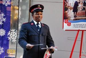 Päästearmee töötaja Brüsseli tänaval Foto Urmas Saard