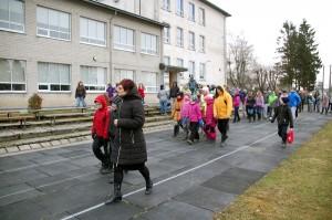 Pärnu-Jaagupi gümnaasiumi õpilased ja õpetajad Foto Urmas Saard
