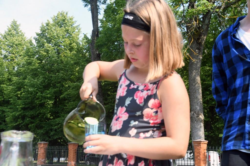 Pärnu Vanalinna 3 klassi õpilane Riti Tross soovib saada Pärnu Ühisgümnaasiumi vilistlaseks Foto Urmas Saard