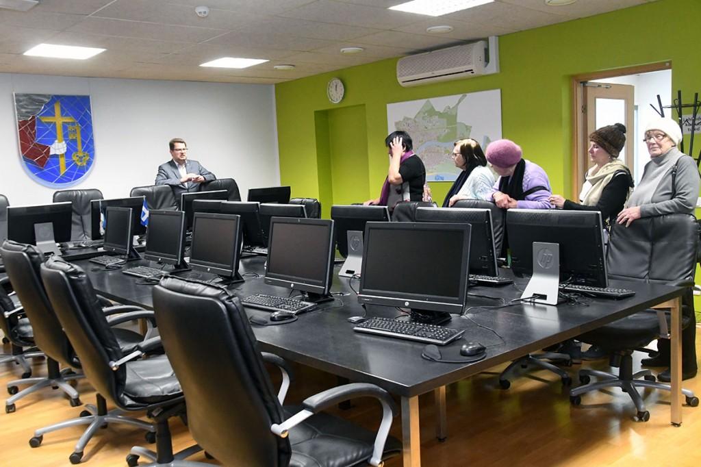 Pärnu linnavalitsuse istungite saalis. Foto Urmas Saard