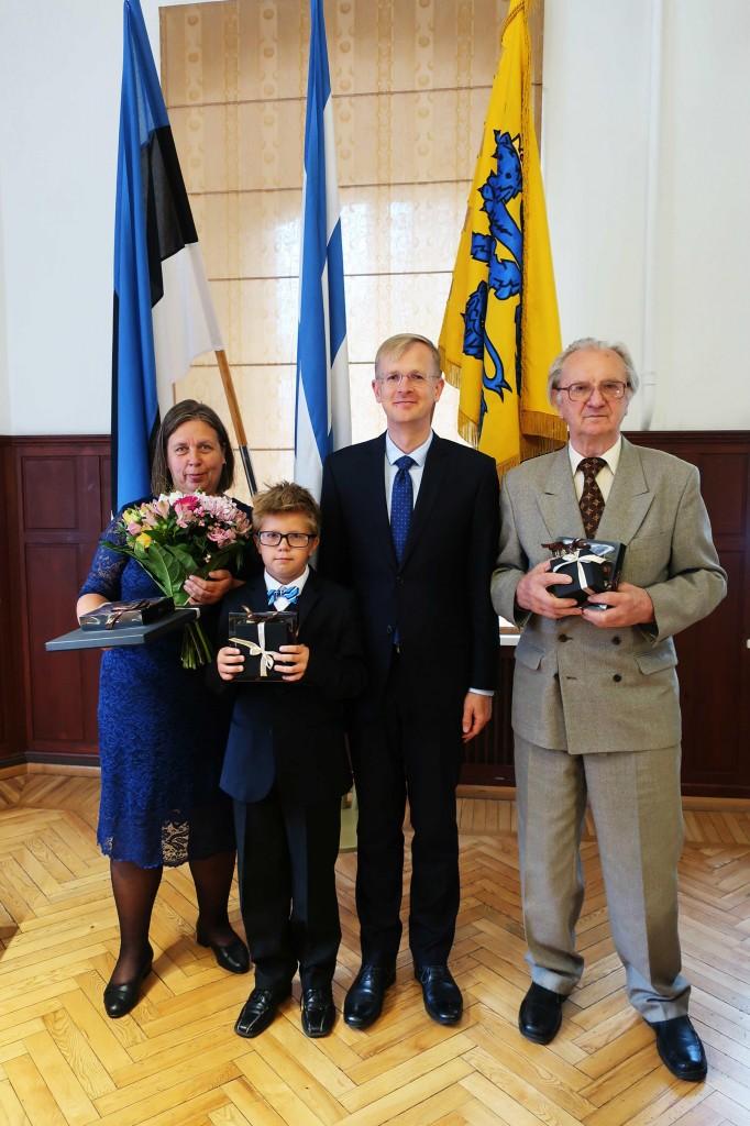 Pildil (vasakult) Malle Lokotar, Priit Lokotar, Tiit Terik ja Heinar Jahu. Foto Jukko Nooni