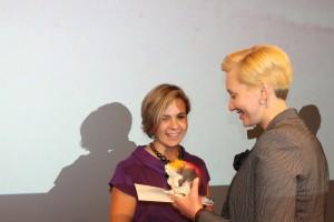 Põlvamaa aasta noortekeskuse töötaja autasu pälvinud Värska Avatud Noortekeskuse juhataja Triinu Arund.