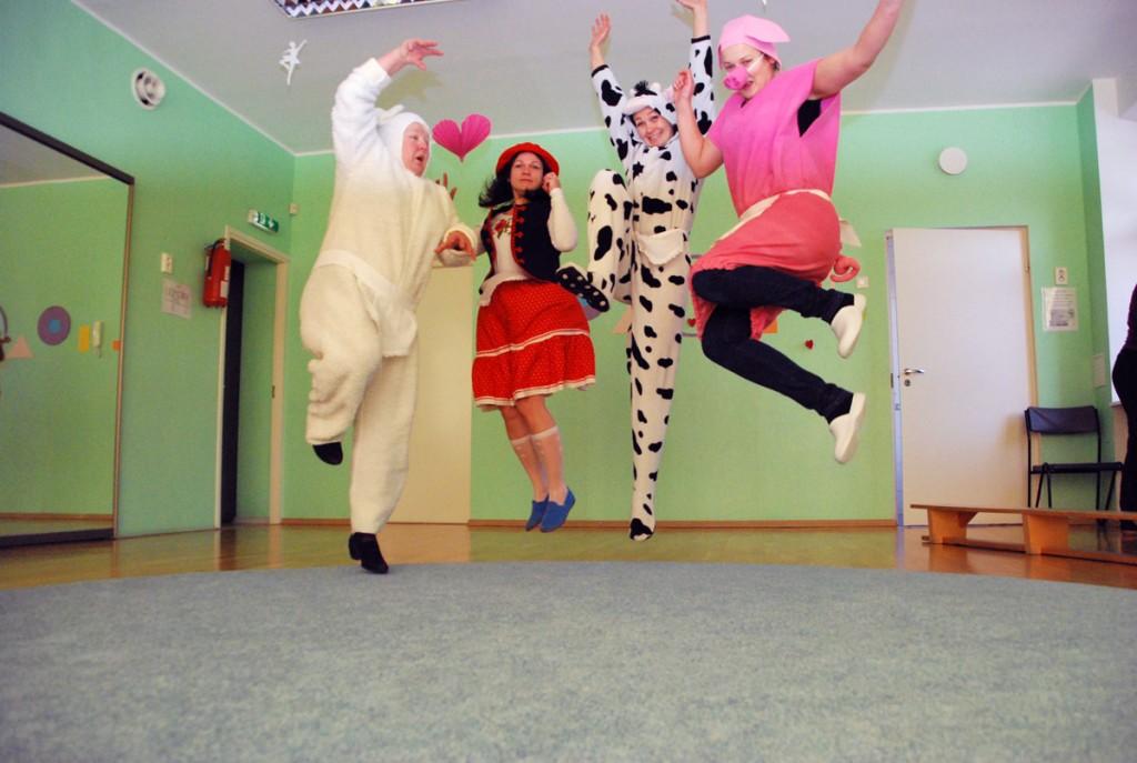 Sõbrapäeva trall Sindi lasteaias Foto Urmas Saard