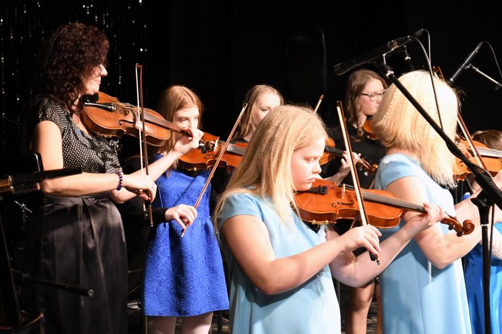 Sindi muusikakooli kingitus saja-aastasele Eesti Vabariigile Foto Urmas Saard