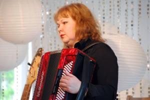 Sindi muusikakoolis toimub Alice Imedemaa tund, mille sisustab muusikaajaloo õpetaja Kristi Rulli Foto Urmas Saard