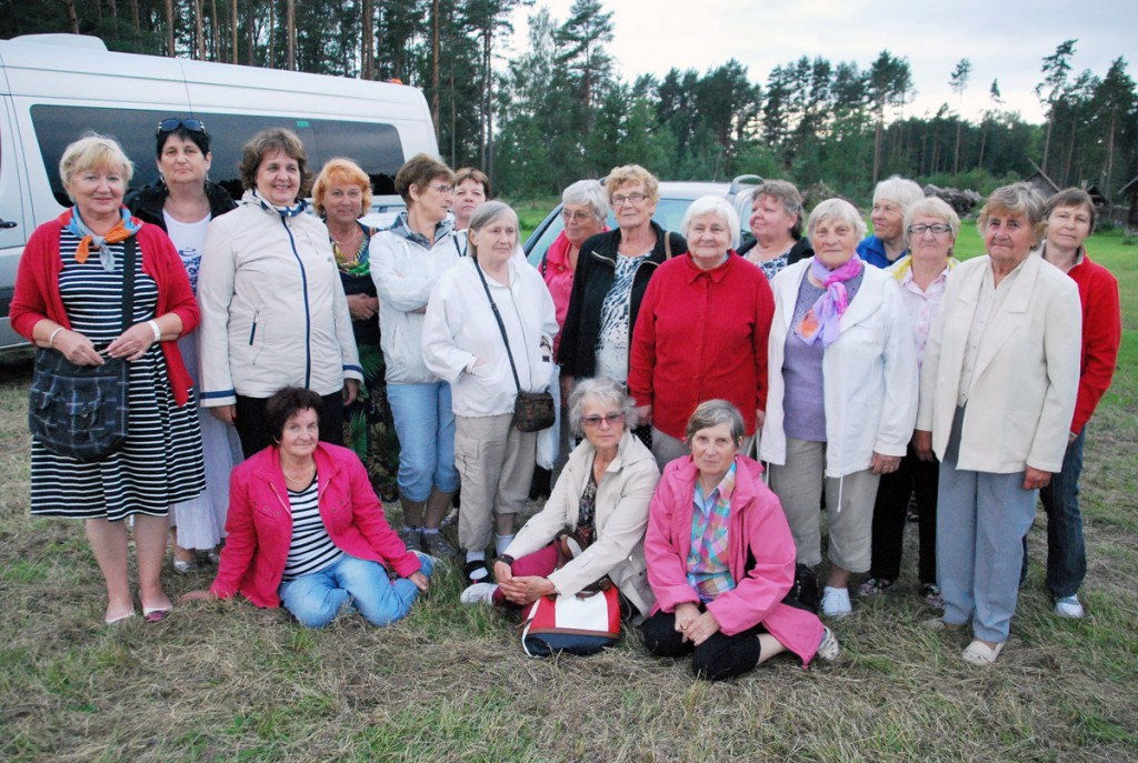 Sindi pensionärid Värskas enne koduteele asumist Foto Urmas Saard