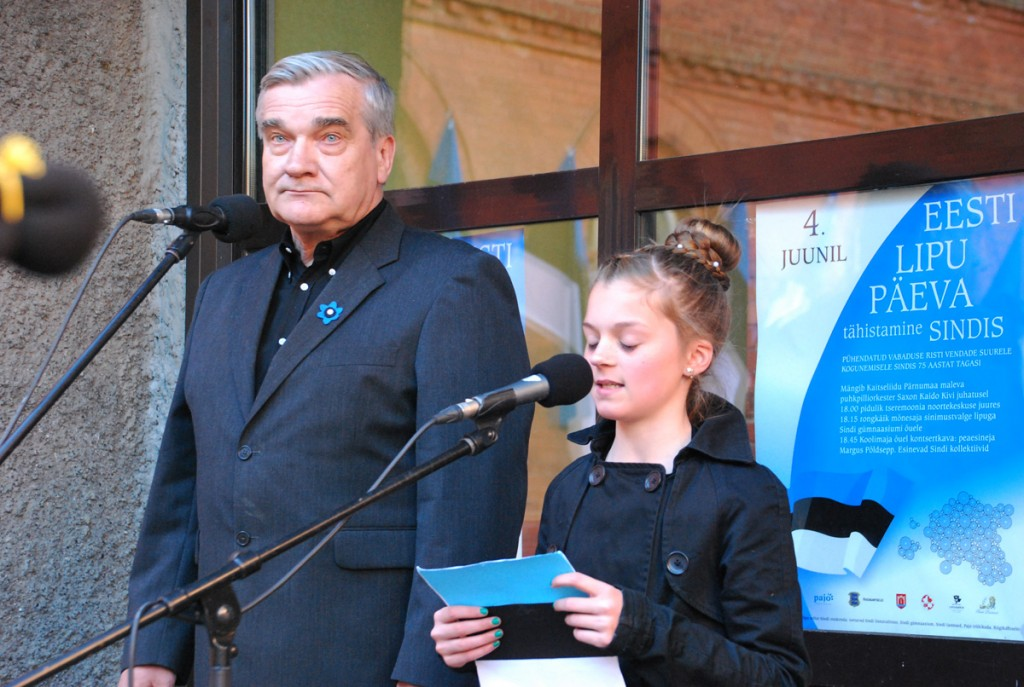 Sirelin Kukk 2015 a 4 juunil Sindi gümnaasiumi paraaduksel Foto Urmas Saard