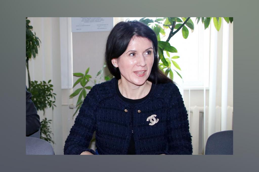 Suursaadik Daniela Mihaela Cămărăşan. Foto Jõgeva vallavalitsus