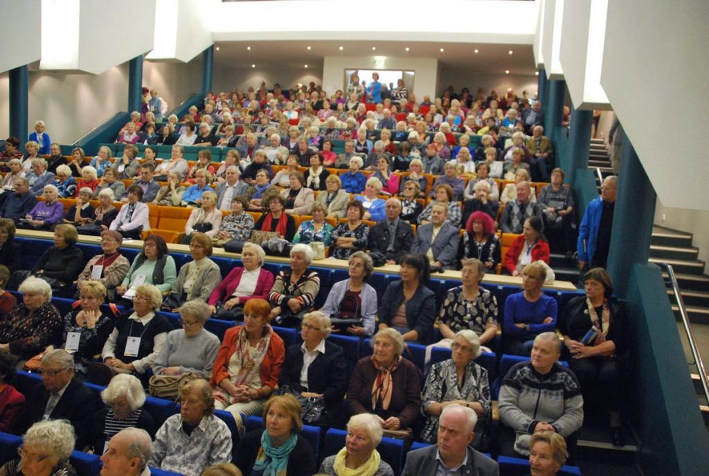 TÜ Pärnu kolledži väärikate ülikooli kuulajad Tervise konverentsisaalis Foto Urmas Saard