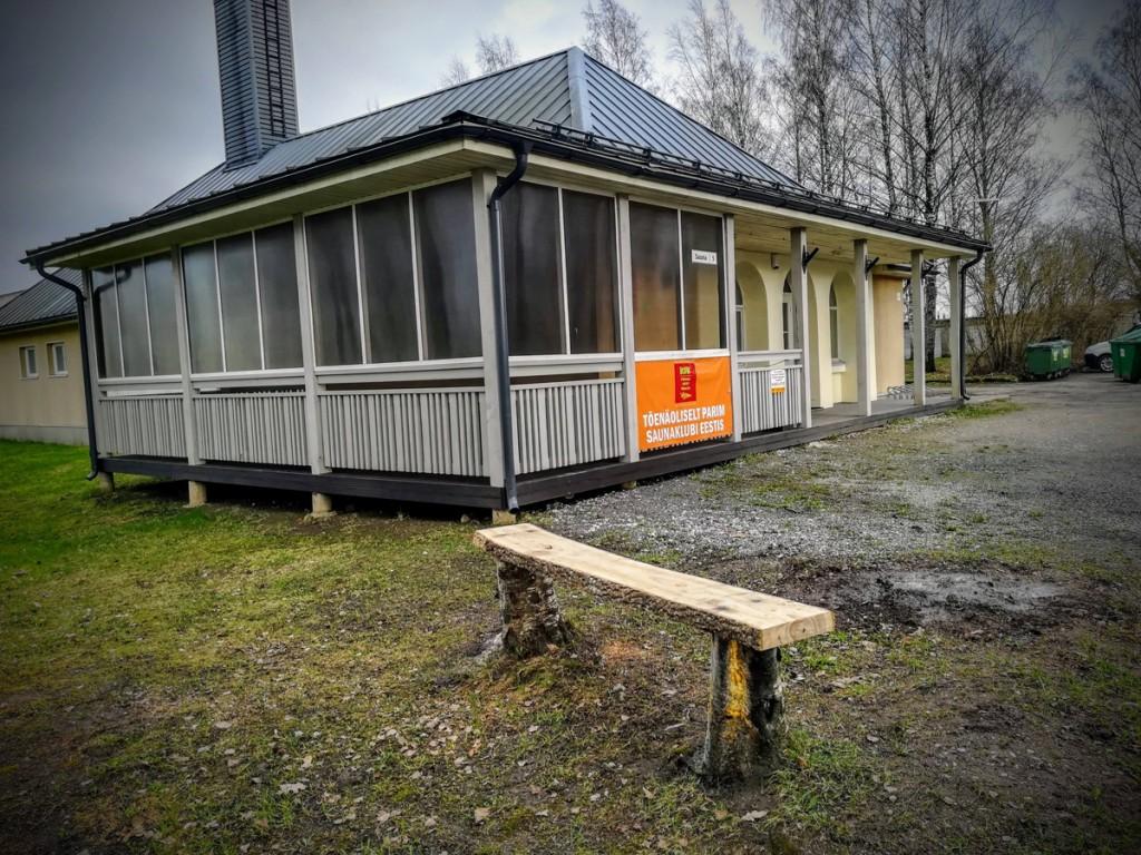 Talgute järel avatakse sauna ees Sauna tänaval Saunanaise Pink Foto Rein Sikk