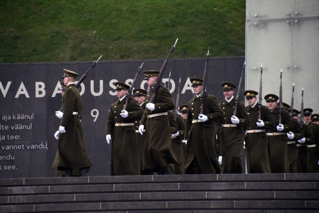 Tallinnas Vabadussõja võidusamba juures. Foto Urmas Saard